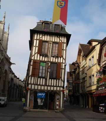 crooked buildings of Troyes