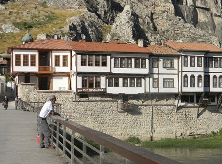 amasya_footbridge___ottoman_houses