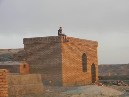 chris_wille_atop_caravanserai