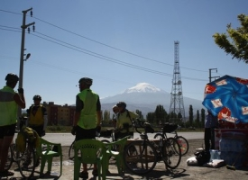 first_coke_stop_in_turkey__in_the_shadow_of_mt_ararat