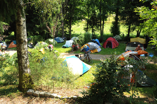 Camp in Plombieres sous bain – tents are prepared for another night