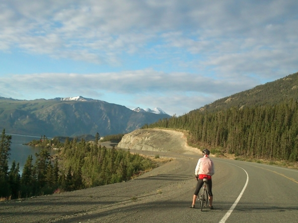 NAE-2013-Stage-09-Rob-stunned-by-the-Alaska-Highway-in-the-Yukon-by-Nina-1200x674