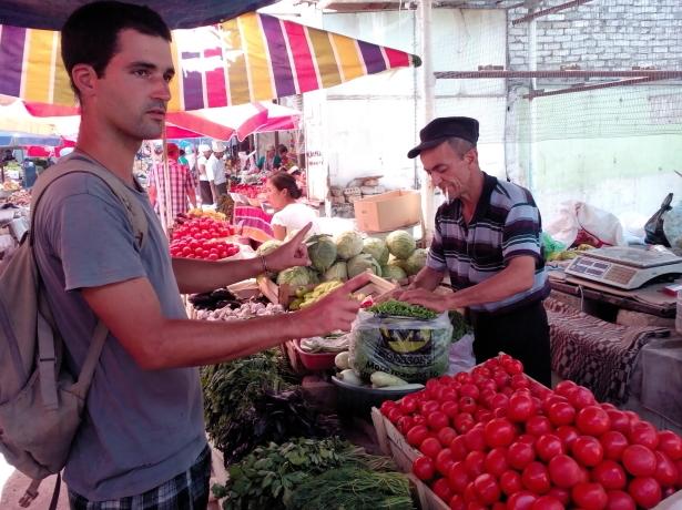 yanez in Osh bazaar