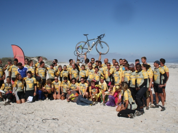 Group photo with table mountain in the background