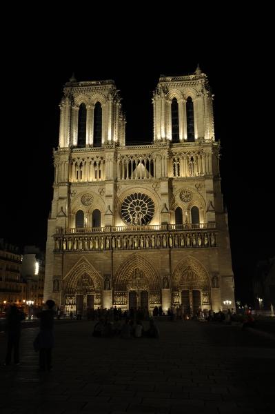Notre Dame - night photo01