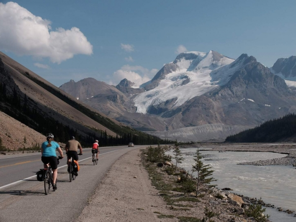 Riders nearing the top of the pass.