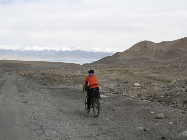 Mun Yew has a view of Karakul Lake