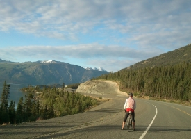 NAE 2013 - Stage 09 - Rob stunned by the Alaska Highway in the Yukon - by Nina