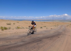 steve on a sandy climb in mongolia
