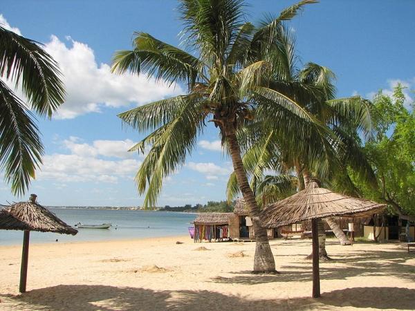 800px-Ifaty_beach_Madagascar