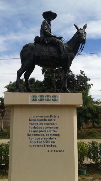 Augusto-Sandino-statue