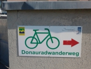Danube-Cycleway-sign-600x449