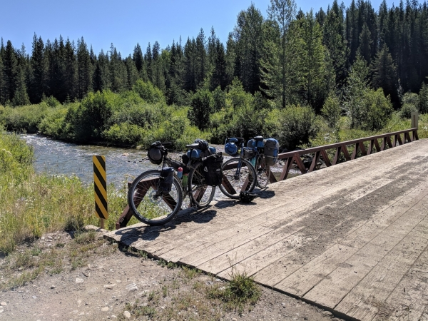 5 Reflections on my Unsupported Bike Trip in Grizzly Country